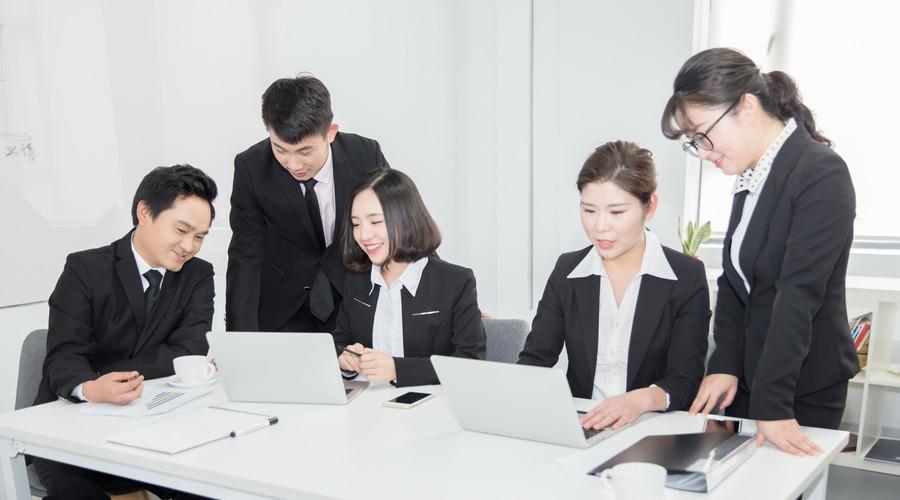 创业老板如何用实习生的工资,招到十项全能的财务大牛?